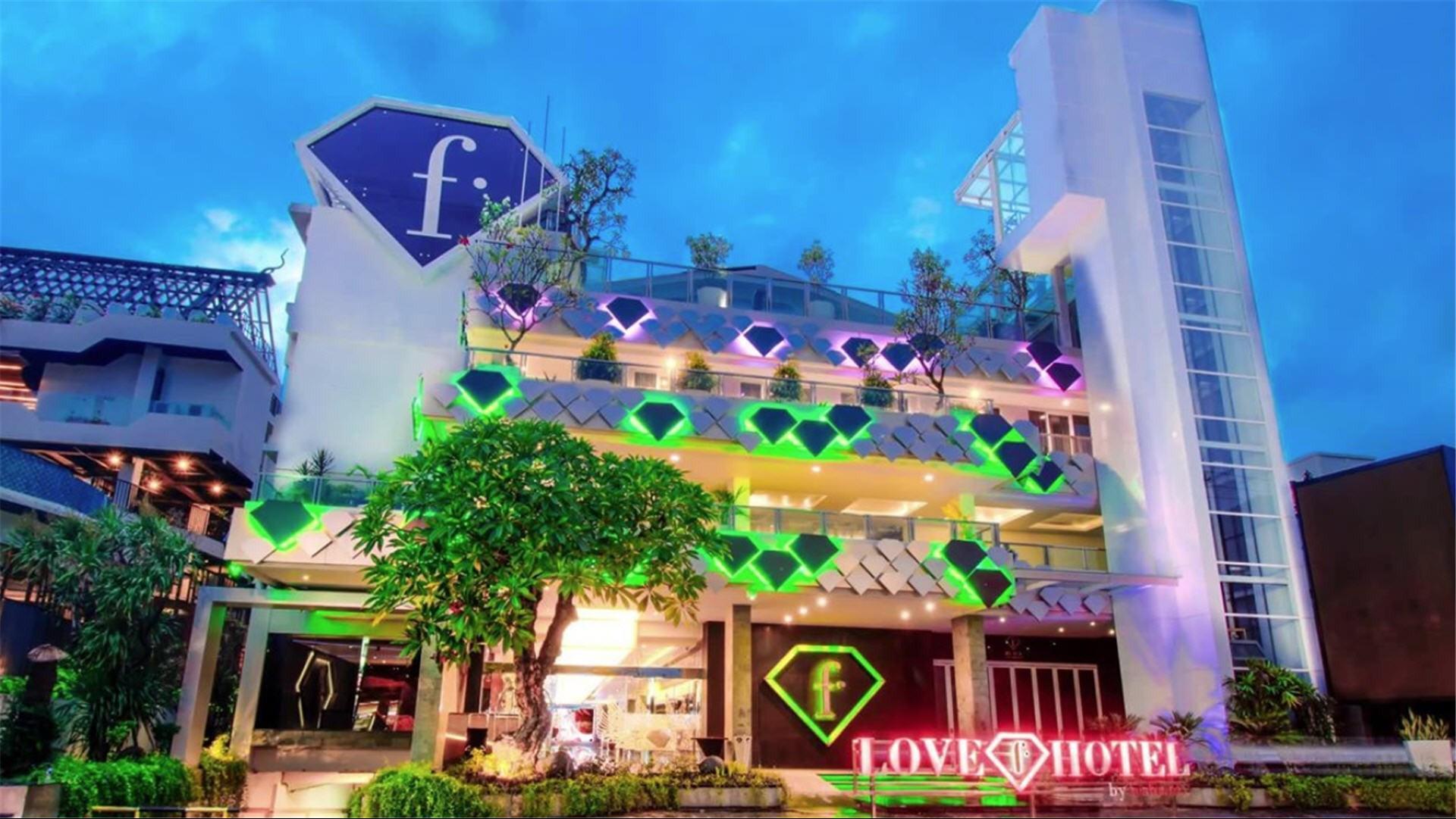6897c67c00fd408a8135b288e4fd8b8c LARGE - Hotel Budget di Kawasan Legian Bali Yang Asik
