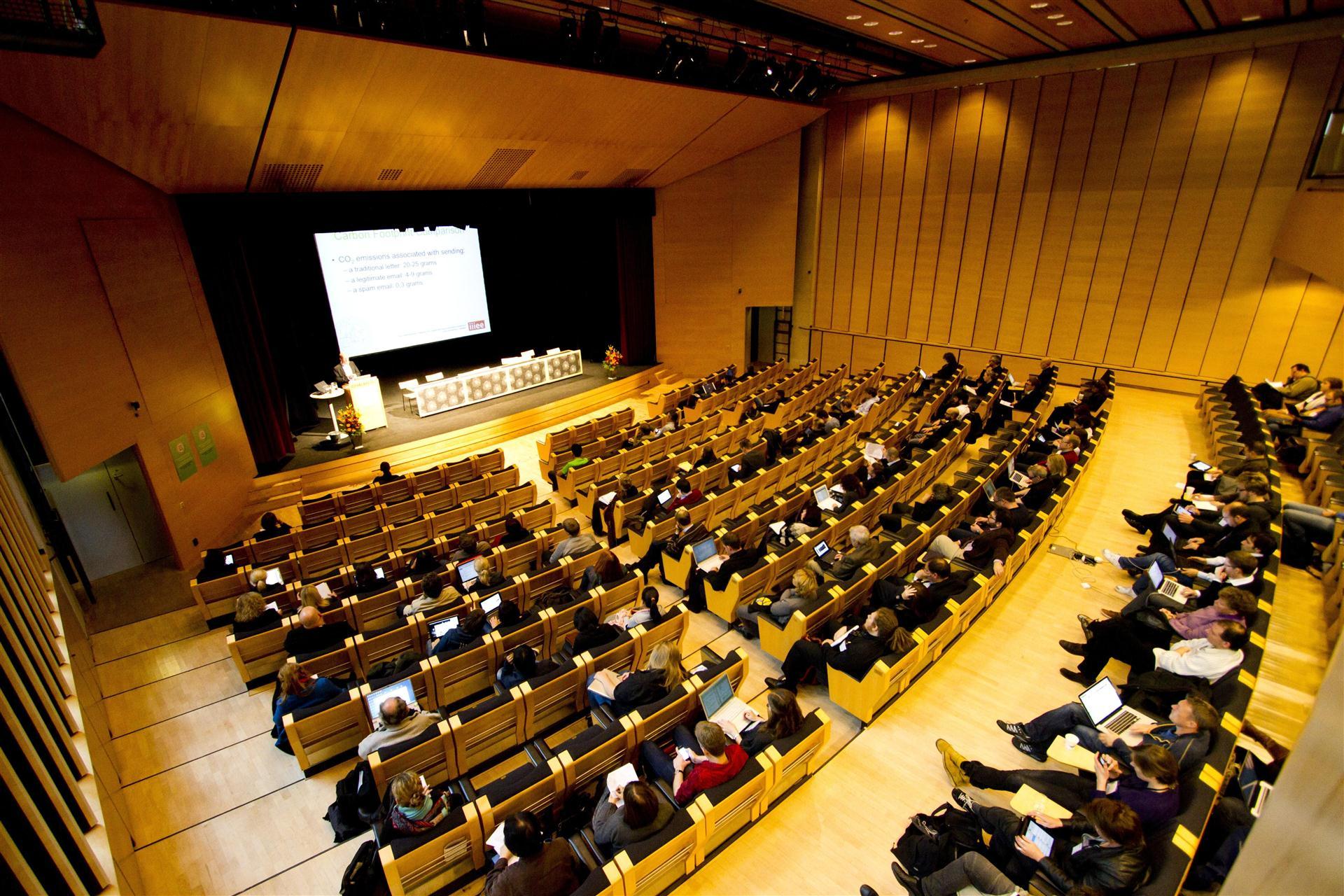 دانشگاه چالمرز در کشور سوئد یکی از بهترین دانشگاه های سوئد