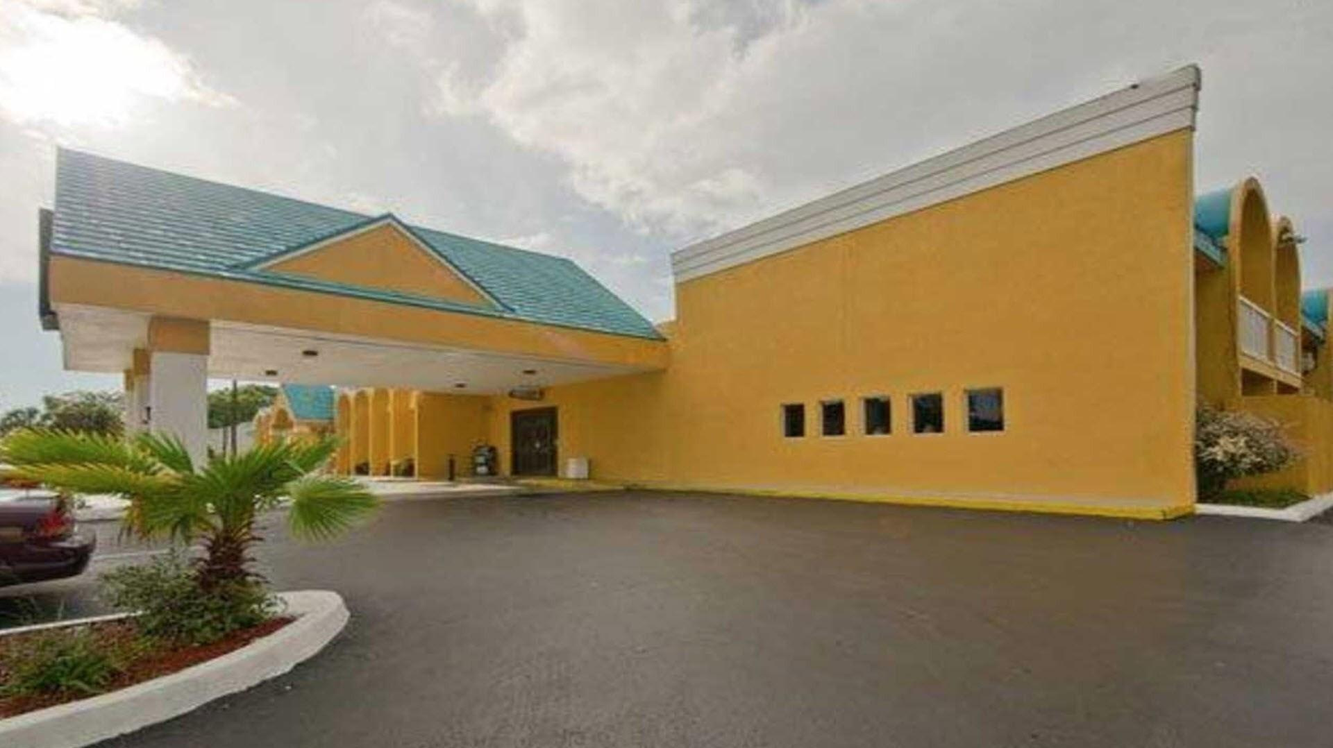 Meetings and Events at Econo Lodge Busch Gardens, Tampa, FL, US