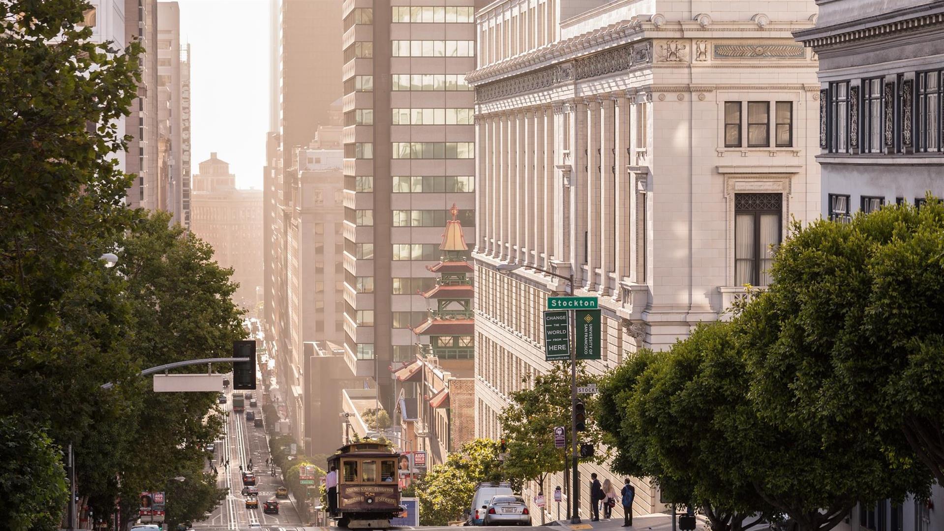 The Ritz Carlton San Francisco 5f271f88de5740619b4d1ca36a73d3f2LARGEjpg