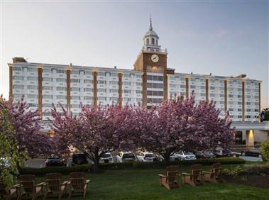 The Garden City Hotel ...