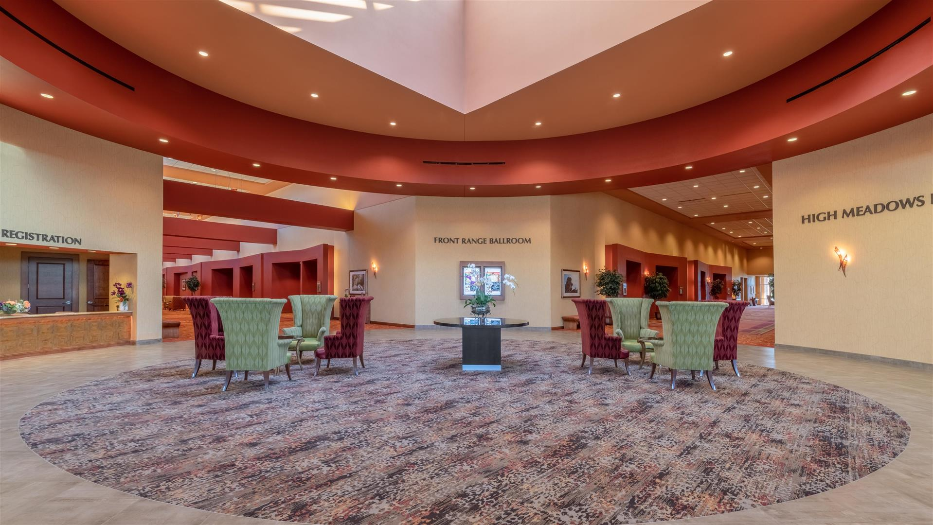 Deco Salon Rose Poudré meetings and events at embassy suiteshilton loveland