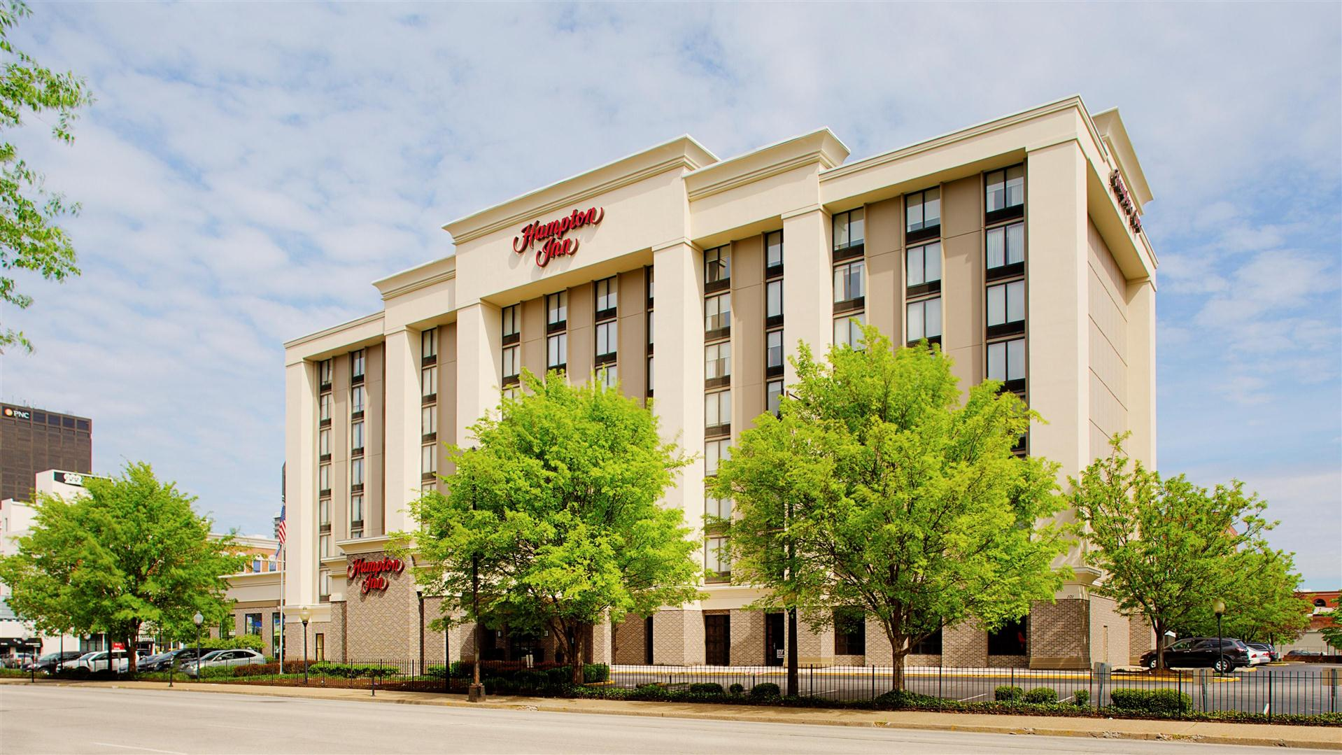 hampton inn louisville downtown - Hilton Garden Inn Louisville Downtown
