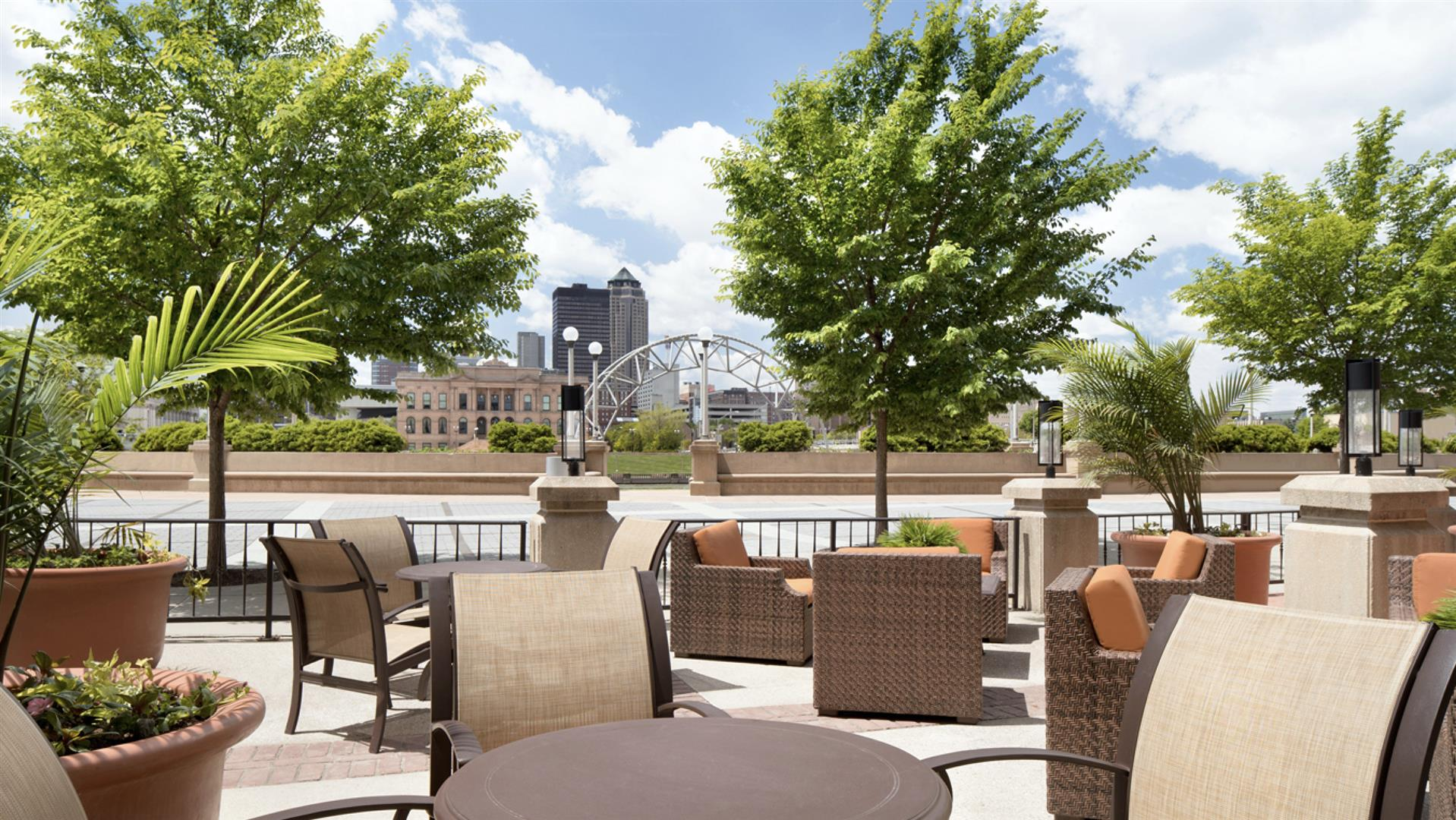 Meetings and events at Emby Suites by Hilton Des Moines ... on map of california coast lompoc, map of glendale cemetery des moines ia, map of des moines county iowa, des moines skywalk hotels,