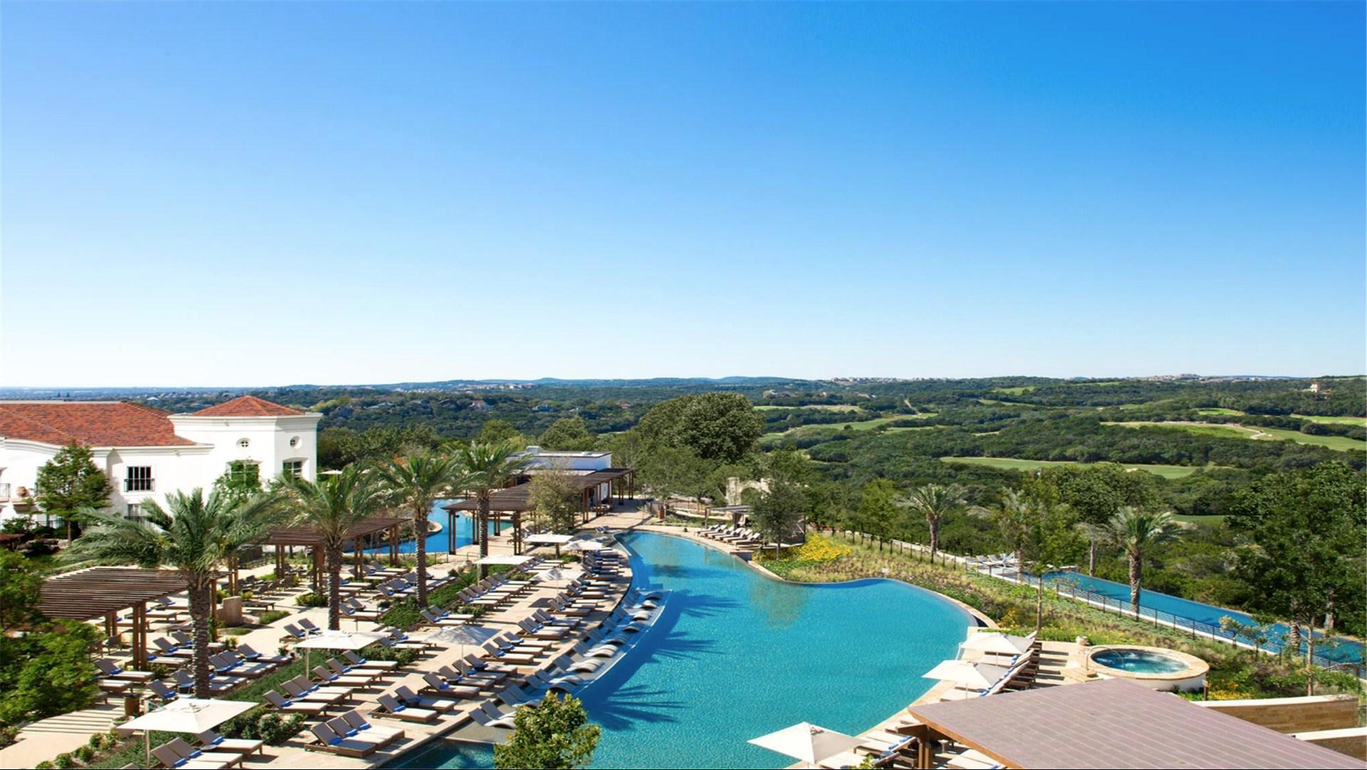 La Cantera Resort & Spa is a luxury resort in the San Antonio Hill Country. Located in Texas Hill Country, this transformed hotel features packages, a full-service spa, two championship golf courses, meeting and wedding venues and more.